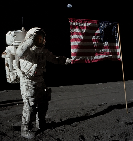 Armstrong on Moon v5b-Full Moon col2