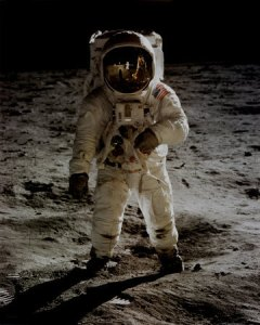 F2102~NASA-Buzz-Aldrin-On-Moon-Spaceshots-Posters