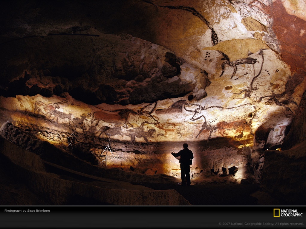 http://cumbriansky.files.wordpress.com/2009/09/lascaux-cave-walls-438085-lw.jpg