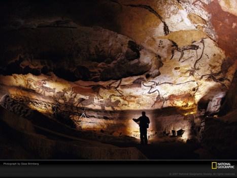 lascaux-cave-walls-438085-lw