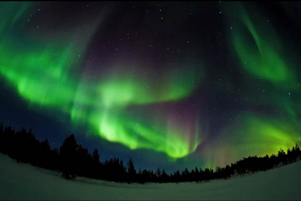 Northern lights visible from the uk tonight maybe for Chance of seeing northern lights tonight