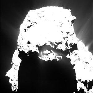 Comet_on_25_April_2015_Osiris_node_full_image_2